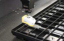 MITUTOYO CNC CRYSTA APEX (1200 x 3000 x 1000 mm)
